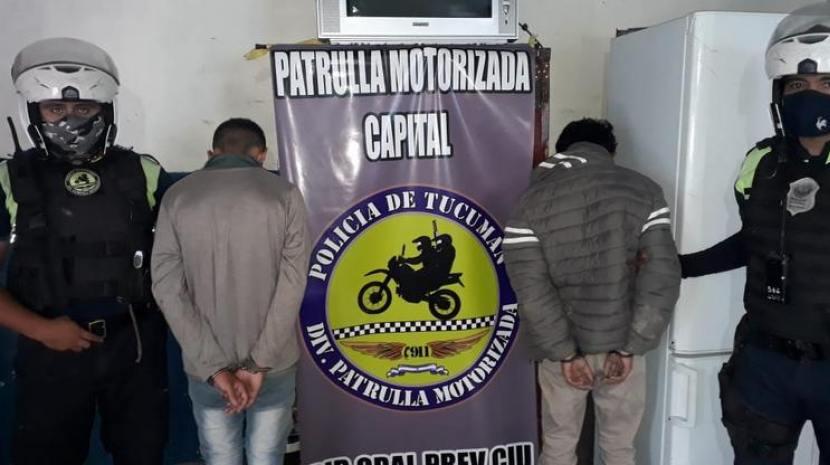 Dos hermanos escapaban en una moto robada y fueron atrapados en Villa Lujan  | InfoAguilares